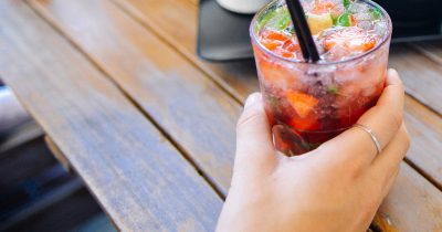 Φθινοπωρινά κοκτέιλ φρούτων χωρίς ίχνος αλκοόλ!