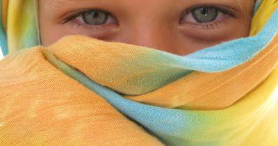«Κορίτσι µε τα φοβισµένα µάτια...»