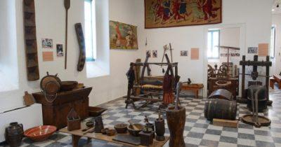 Ξεναγήσεις και επισκέψεις στο Μουσείο Λαϊκής Τέχνης