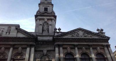 Χριστούγεννα στο Λονδίνο με ήλιο
