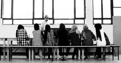 Συγκέντρωση βιβλίων για τη δημιουργία βιβλιοθηκών προσφύγων