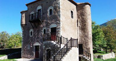 Ο ιστορικός Πύργος Πετμεζά στους Κ. Λουσούς Καλαβρύτων