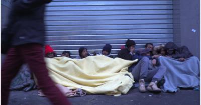 Η αστυνομική βία κατά των μεταναστών του Παρισιού πρέπει να σταματήσει
