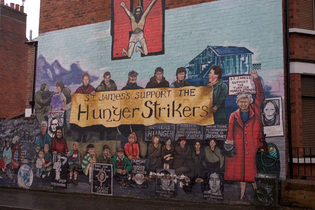St_James's_support_the_hunger_strikers