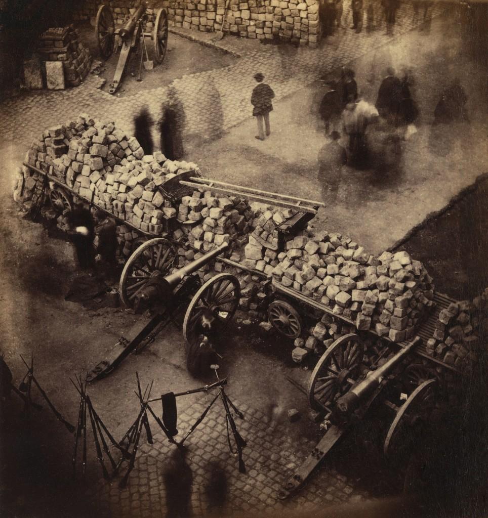 2048px-Barricade_Paris_1871_by_Pierre-Ambrose_Richebourg