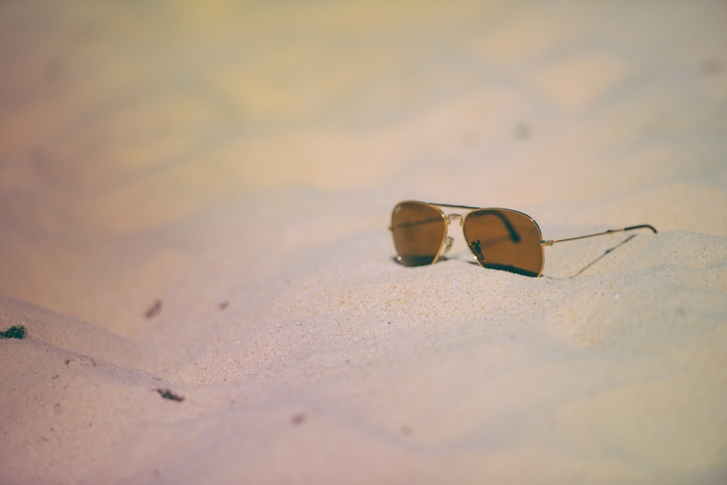 beach-holiday-sunglasses-vacation