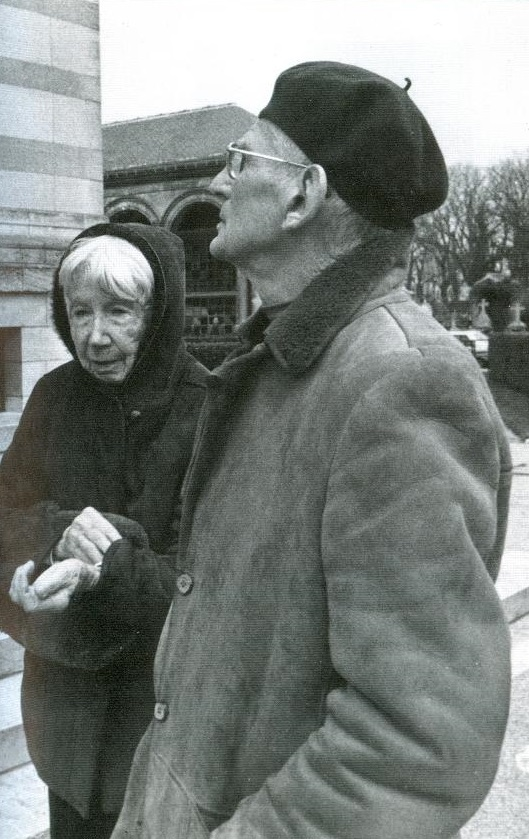 Suzanne_Dechevaux-Dumesnil_and_Samuel_Beckett_-_Philippe_Binant_Archives