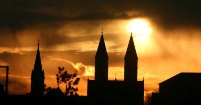 Περί θρησκευτικής ορθότητας και αθρησκίας