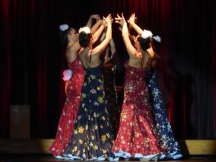 dancers-995039_1280