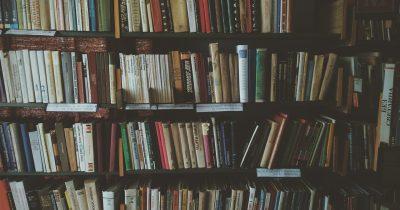 Μοσούλη: Βοηθήστε τα βιβλία να αναγεννηθούν από τις στάχτες