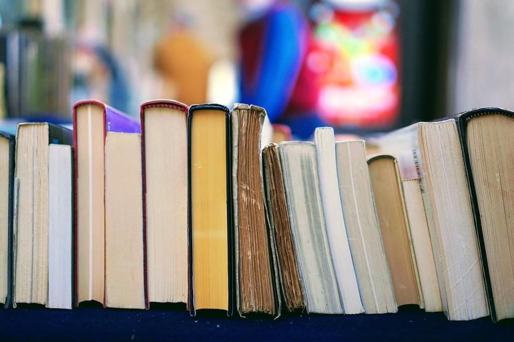 books-2564874_1280
