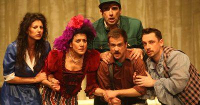 """""""Η Τρελή του Σαγιό"""" - Το Άρμα Θέσπιδος κάνει στάση στο Θέατρο Μπάρρυ για δύο παραστάσεις"""