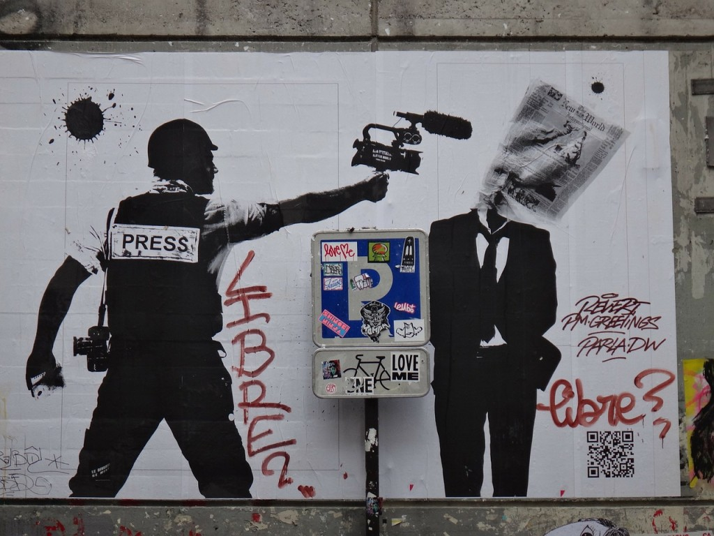paris-180342_1280