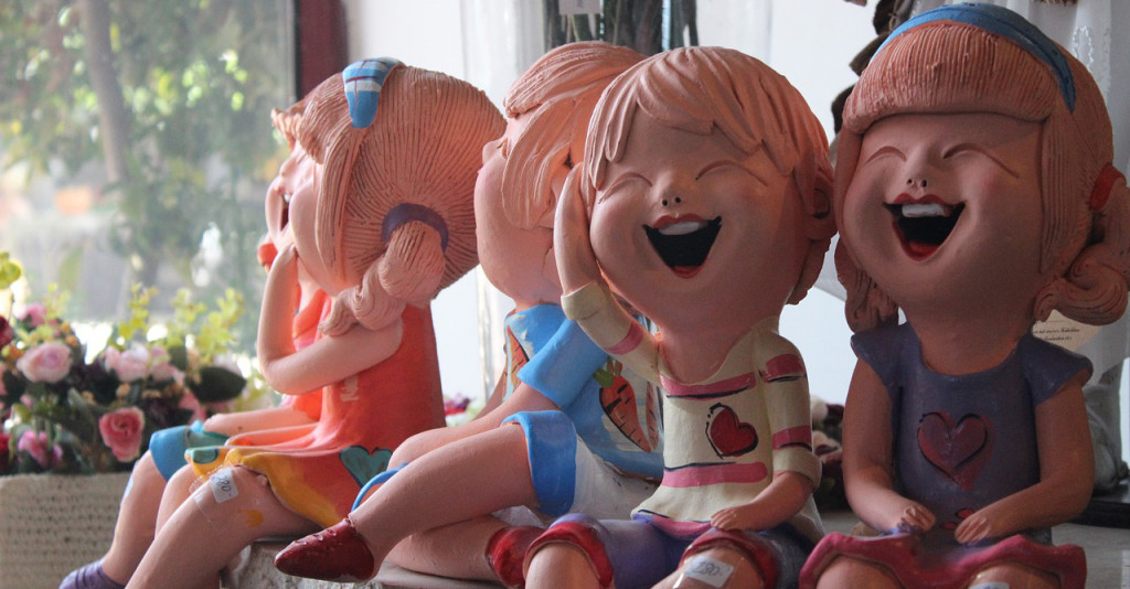 children-laughing-1760626_1280