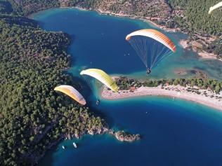 paragliding-1220000_1280