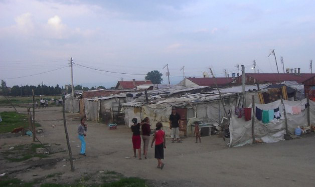 Romani_camp