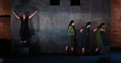 «Ηλέκτρα» του Ευριπίδη - Ένα λυρικό θρίλερ που συναντά τις υψηλές ιδέες της τραγωδίας