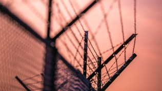 fence-3373369_1280