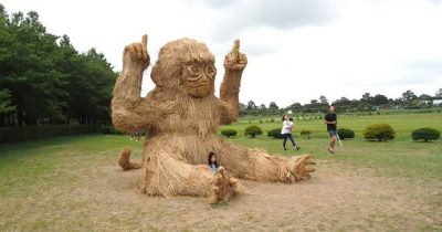 """Wara Art Festival"" - Ελέφαντες, κατσίκες, τίγρεις μέχρι και πίθηκοι στα άχυρα!"