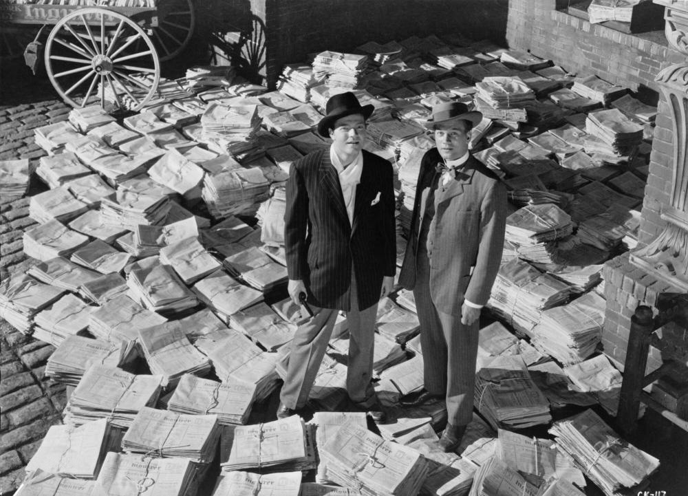 Citizen-Kane-Welles-Cotten-Newspapers