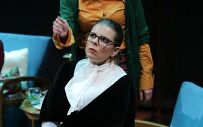 «8 γυναίκες κατηγορούνται» σε σκηνοθεσία Μίλτου Νίκα στο θέατρο Επίκεντρο+