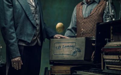 Lemon: H απίστευτη ιστορία του Χιλιαεννιακόσια στο Λιθογραφείο!