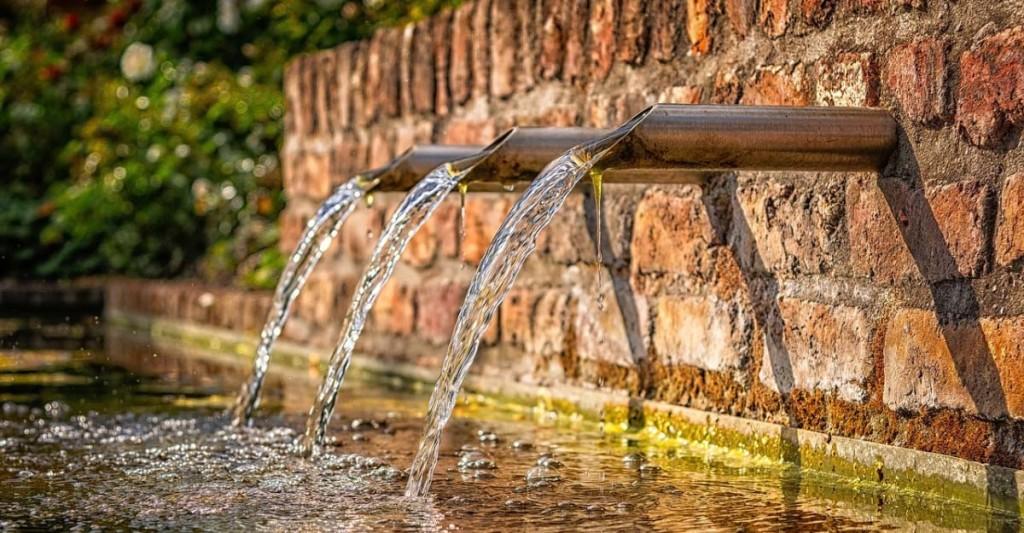 fountain-3761513_1280