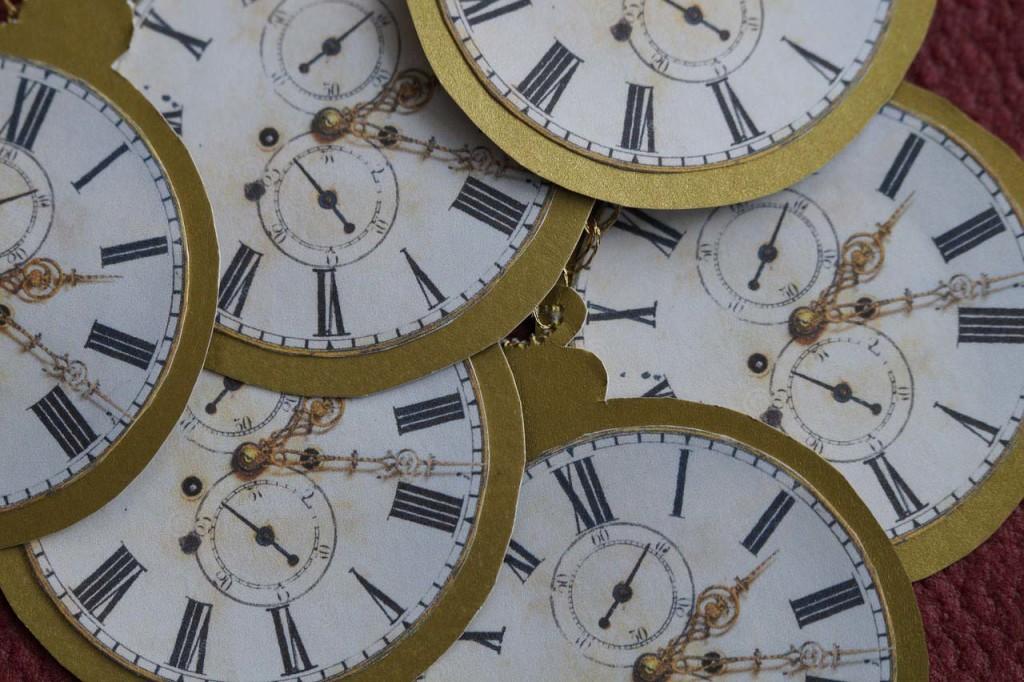 clock-1163910_1280b