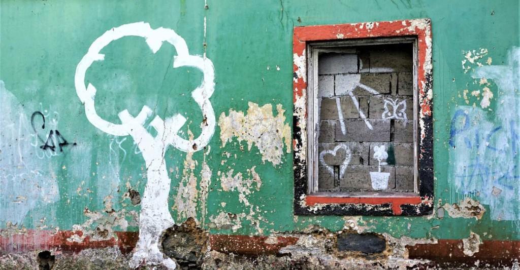 wall-3120986_1280