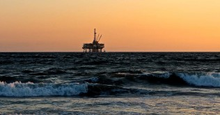 oil-rig-2191711_1280