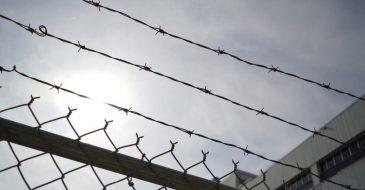 SOS για 61 ασυνόδευτους ανήλικους σε «προστατευτική» κράτηση