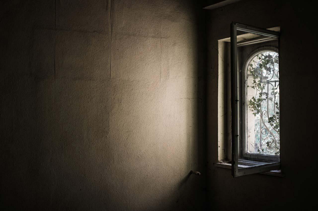 window-1533513_1280