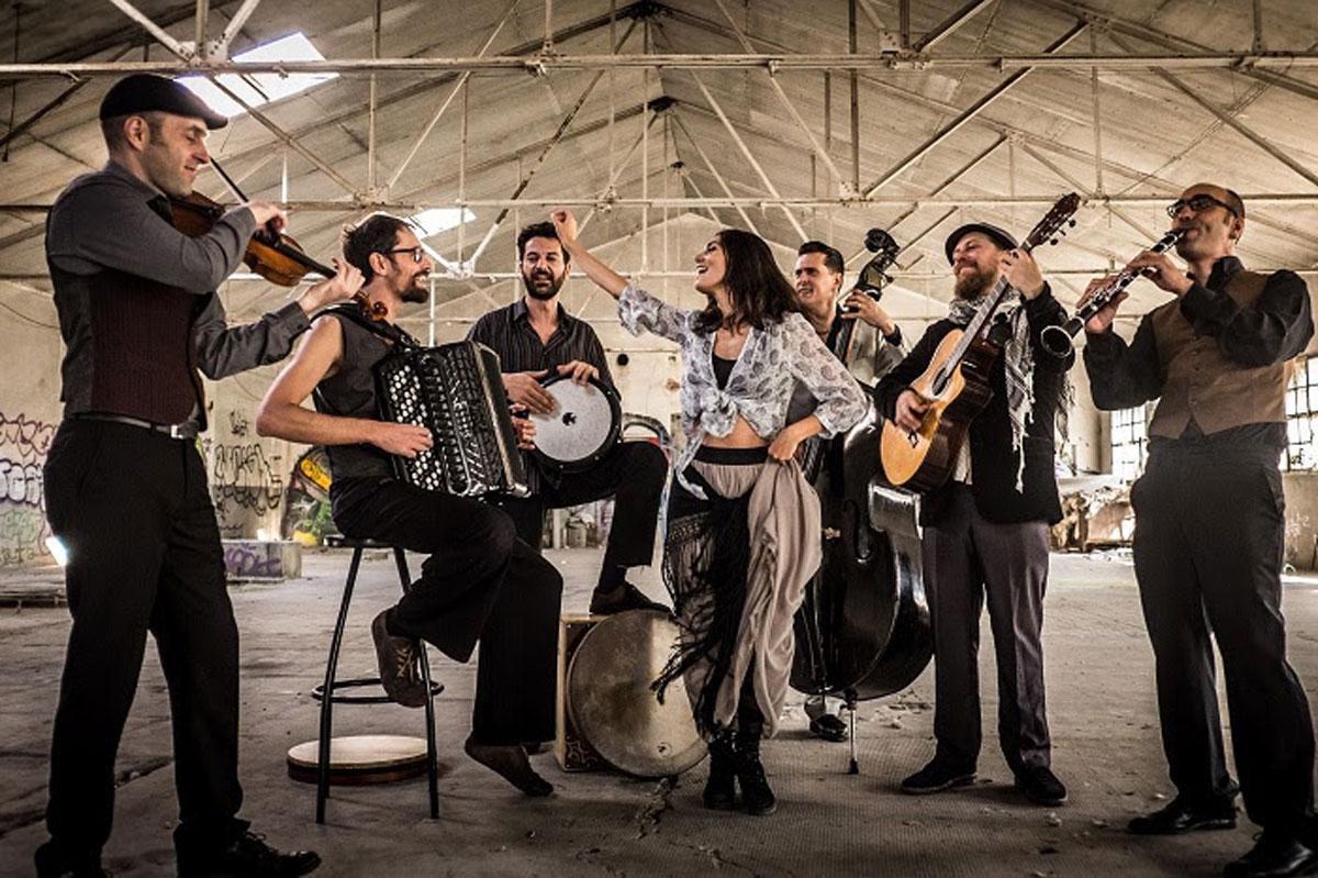Barcelona-Gipsy-balKan-Orchestra-3
