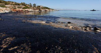 Δυο χρόνια από το ναυάγιο του «Αγία Ζώνη ΙΙ»: Ένα περιβαλλοντικό έγκλημα χωρίς τιμωρία ακόμα