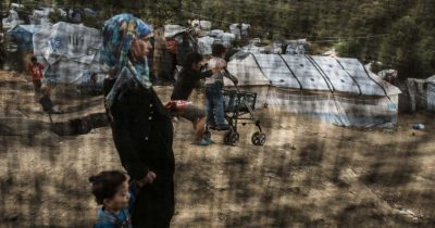 Γιατροί Χωρίς Σύνορα: Μία καταστροφική πολιτική κρατά ευάλωτους ανθρώπους εγκλωβισμένους στα ελληνικά νησιά