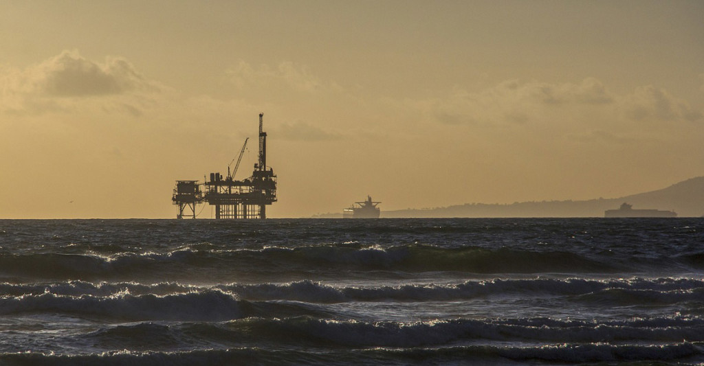 oil-platform-484859_1280-(1)b