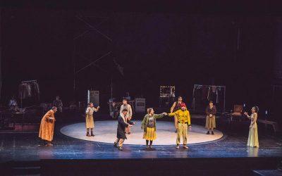 «Υπηρέτης δύο Αφεντάδων» του Κάρλο Γκολντόνι σε σκηνοθεσία ΜιχάληΣιώνα στη σκηνή του Βασιλικού Θεάτρου