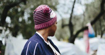Μια γυναίκα αιτούσα άσυλο στην Ελλάδα μιλάει για τη βία που της ανέτρεψε τη ζωή