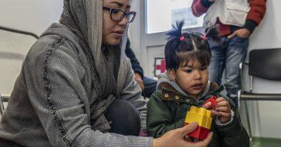 Γιατροί χωρίς Σύνορα: Μη στερείτε την περίθαλψη από παιδιά με σοβαρά νοσήματα που ζουν στη Μόρια