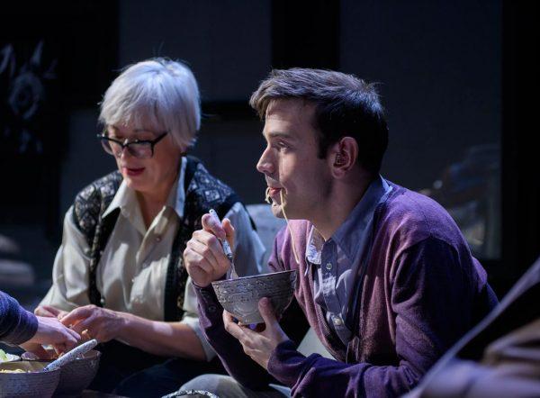 Φυλές της Νίνα Ρέιν: Οκτώ επιπλέον παραστάσεις στο Θέατρο Σταθμός