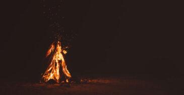 Νύχτες φαντασμάτων