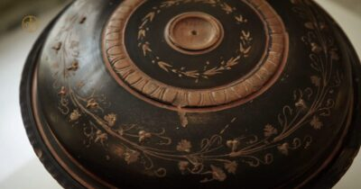 Close Ups - Μια νέα σειρά βίντεο «ρίχνει φως» σε αντικείμενα του Μουσείου Μπενάκη