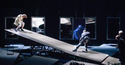«Μόνοι Μαζί» - Διαδικτυακή Προβολή της παράστασης Καλιγούλας του Αλμπέρ Καμύ από τοΔημοτικό Θέατρο Πειραιά