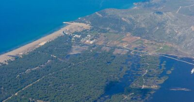 Θα παραχωρήσουν αμμοθίνες σε ιδιώτες; Νέα προσπάθεια καταπάτησης δημόσιας έκτασης στη Στροφυλιά