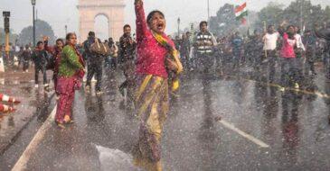 Το Τμήμα της Διεθνούς Αμνηστίας στην Ινδία διακόπτει το έργο του για την προάσπιση των ανθρωπίνων δικαιωμάτων στην Ινδία λόγω διαρκούς επίθεσης από την κυβέρνηση