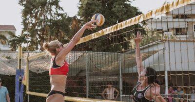 Ξεκινάει τη λειτουργία της η πρότυπη ακαδημία beach volleyball του Patras Beach House