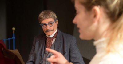 «Το επάγγελμα της μητρός μου», σε θεατρική διασκευή Θανάση Παπαγεωργίου, στο θέατρο Στοά από 23 Οκτωβρίου