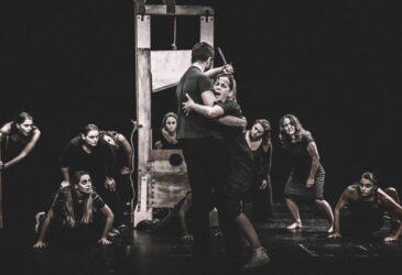 «Η Δολοφονία του Μαρά» του Πέτερ Βάις στο Θέατρο Εταιρείας Μακεδονικών Σπουδών