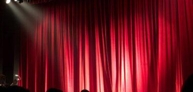 Σπουδάστριες/ές ΚΣΟΤ, ΚΘΒΕ, Εθνικού Θεάτρου, ΔΗΠΕΘΕ Πάτρας: Αρνούμαστε να γίνουμε οι καλλιτέχνες του Zoom