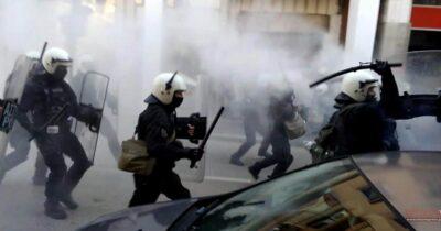Πάτρα: Συγκρούσεις αστυνομίας - διαδηλωτών σε πορεία αλληλεγγύης στον απεργό πείνας Δημήτρη Κουφοντίνα